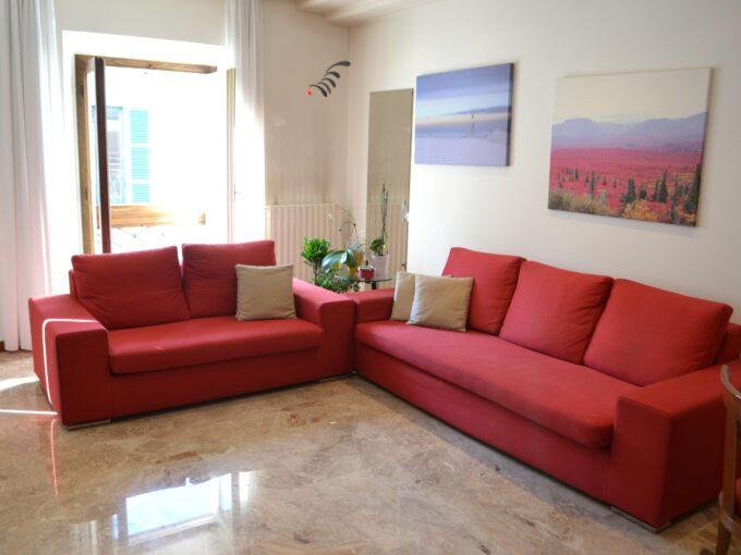 Quadrilocale Lecco nel centro storico con soggiorno luminoso- Centro Servizi Immobiliari