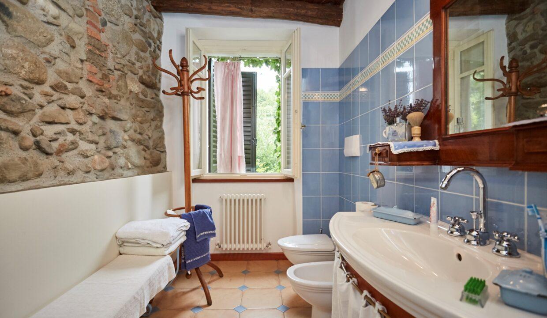 Villa Olginate bagno ospiti